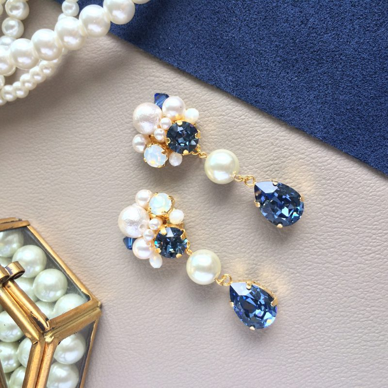 Navy_earring_top