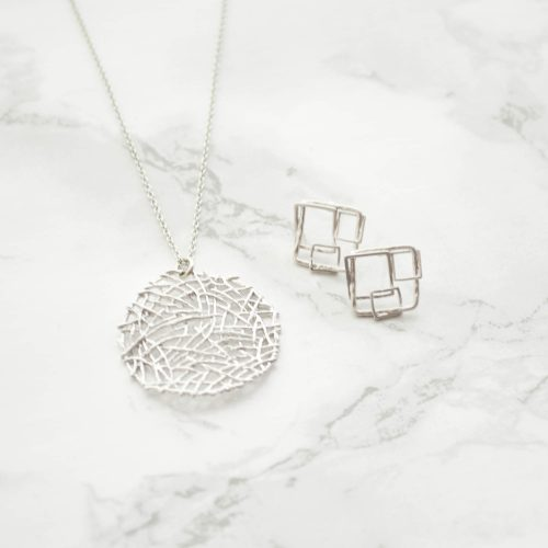 0056・0073 Square Motif Pierces(Silver) ・mesh plate long necklace (silver) 2017-04-11 12-06-50 2000×2000